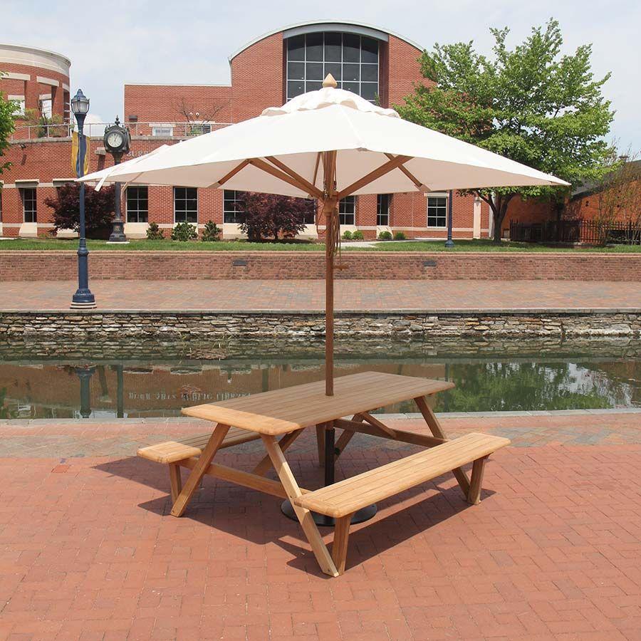 bàn ăn ghế ngoài trời thiết kế đơn giản.