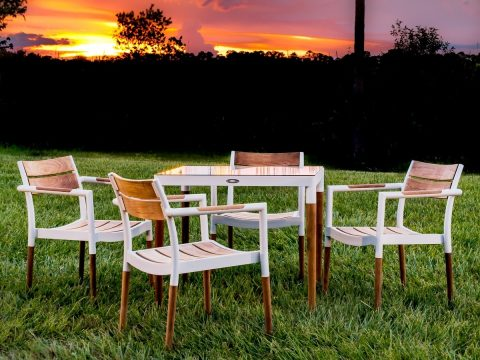 Bloom 5 Pc Dining Set 1